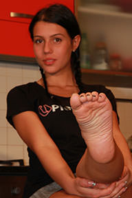 01.10.2014 · Petra · High Heels, Colored Nail Polish
